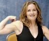 Girl with muscle - Elisabeth Shue