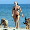Girl with muscle - Ali Larter