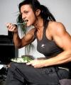 Girl with muscle - Anita Vegh