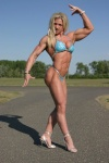Girl with muscle - Yvette Balla