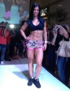 Girl with muscle - Eva Andressa Vieira