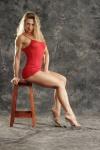 Girl with muscle - Elizabeth Haurech