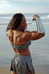 Girl with muscle - Afrika