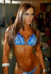 Girl with muscle - Dia Salamon
