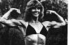 Girl with muscle - Lisa Elliott