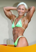 Girl with muscle - Johanna Dejager
