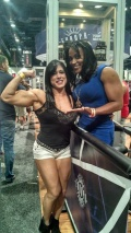 Girl with muscle - Selma Labat (L) - Lenda Murray (R)