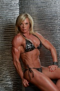 Girl with muscle - Sheila Mettler