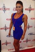 Girl with muscle - Stephanie Rowe