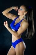 Girl with muscle - Lara Malyarenko
