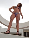 Girl with muscle - Rebecca Book
