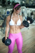 Girl with muscle - Alice Matos