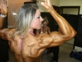 Girl with muscle - Juliana Toigo