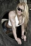 Girl with muscle - Patrycja Kozyra