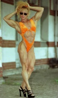 Girl with muscle - Jacqueline de Gennaro