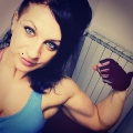 Girl with muscle - Ilaria Sanzogni