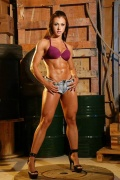 Girl with muscle - Marjorine Cardoso