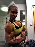 Girl with muscle - Heidi Vuorela