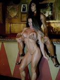 Girl with muscle - Maria Jose Garcia Sanchez / Gal Ferreira Yates