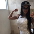 Girl with muscle - Veronica Balestra