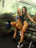 Girl with muscle - Larissa Reis (L), Oksana Grishina (R)