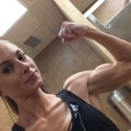 Girl with muscle - Melanie Albinio