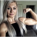 Girl with muscle - Nicole Howarth
