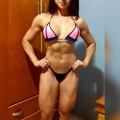 Girl with muscle - Valeria Comin