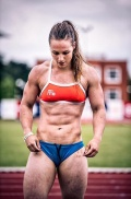 Girl with muscle - Jeanne Rossarie