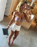 Girl with muscle - Amanda Ferre