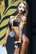 Girl with muscle - lee yong im