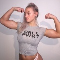 Girl with muscle - Guusje van Geel