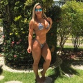 Girl with muscle - Cecília Franco