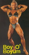 Girl with muscle - Yaz Boyum