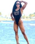 Girl with muscle - Maria Paulette Aranguren