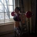 Girl with muscle - Lisa Zbozen