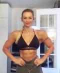 Girl with muscle - Pia Mahlakaarto