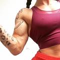 Girl with muscle - Yvonne Tatara