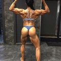 Girl with muscle - Gabriela Quiros