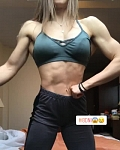 Girl with muscle - Nikoletta Sularz