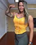 Girl with muscle - Lina Larsson