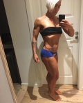 Girl with muscle - Lisa Ravn