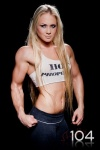 Girl with muscle - Sarah Backman