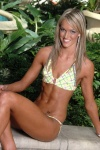 Girl with muscle - Mandi Venter